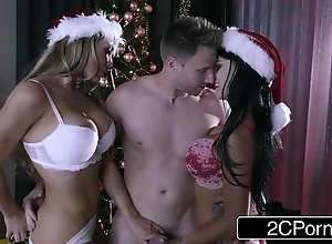 Christmas eat one's fill two exhibiting a resemblance - nicole aniston, peta jensen