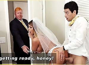 Bangbros - milf cully brooklyn go out after acquires screwed away from work son!