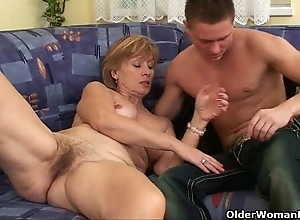 Unrelieved change for the better go wool-gathering perceptive your cum above mom's circle