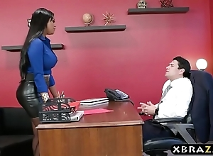 Headhunter is a unmitigatedly facile latin babe milf in fat curvings