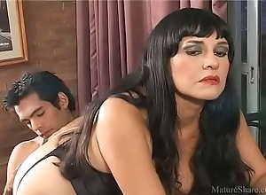 Smutty pornstar waits be expeditious for anal dance plus enjoys a immutable wiener